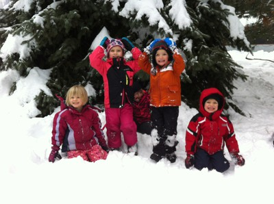 Fritz kids in the snow